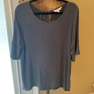 Lauren Conrad XL Ladies crepe like top